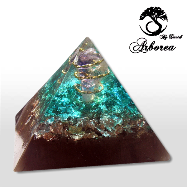 piramide di orgonite