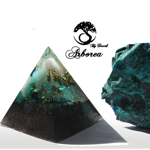 authentieke orgone piramide